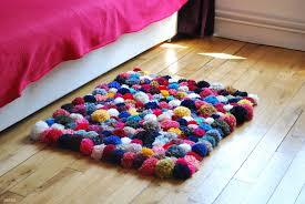 tapis a faire soi meme faire tapis soi même diy pompons j adore mes tests