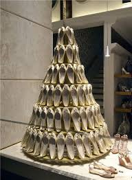 Store Windows Using Bridal Shoes To Create A Cake Fantastic Idea Very Creative