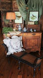 The Classic Style Of Traditional Interior Design Furnishings Includes British And French Colonial Revival Century English Neoclassic