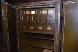 Weathered Patina Outdoor Post Lighting Vintage Underwriters Laboratories Art Metal Safe