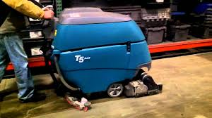 Tennant Floor Machine Batteries by Tennant T5 Floor Scrubber Dryer Youtube