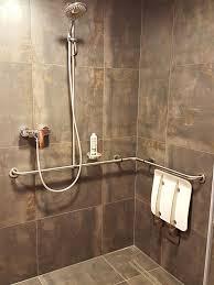 behindertengerechte dusche behindertengerechtes bad