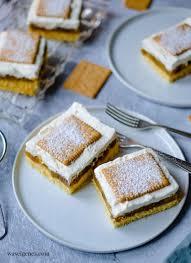 stachelbeer blechkuchen mit biskuitboden sahne butterkeks
