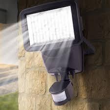 projecteur solaire 120 led avec détecteur de mouvement eclairage e