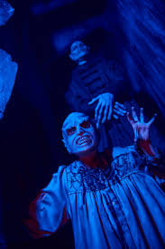 Halloween Theme Park Uk by Universal U0027s Halloween Horror Nights 2017 Is Scarier Than Ever