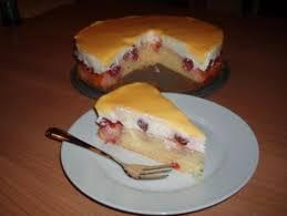 kirsch schmand kuchen mit eierlikörguss
