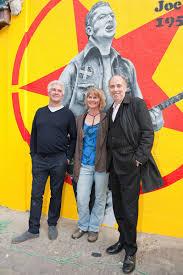 retro man blog the joe strummer mural london w11 unveiling party