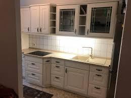 küche mit elektrogeräten aeg im landhausstil 381x60 75x215
