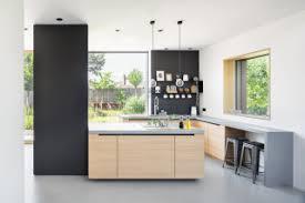 75 küchen mit beigen schränken ideen bilder april 2021