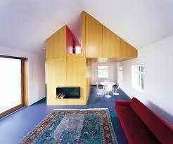 75 moderne wohnzimmer mit kaminumrandung aus holz ideen