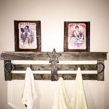 Reclaimed Wood Pallet To Towel Holder Bathroom Ideas Repurposing Upcycling Wall
