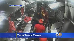 Suspects Pistol-Whip Worker During South LA Taco Truck Holdup - YouTube