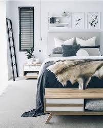 tierfellteppich skandinavische geschtrichen schlafzimmer