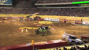 Monster Jam - Grave Digger Monster Truck's Winning Freestyle Run ...