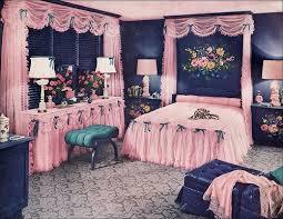 Vintage 1940s 1950s Bedroom Decor