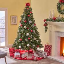 9 Green Spruce Artificial Christmas Tree With 750 Clear Lights