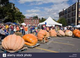 Half Moon Bay Pumpkin Festival Biggest Pumpkin by Giant Pumpkin Stock Photos U0026 Giant Pumpkin Stock Images Alamy