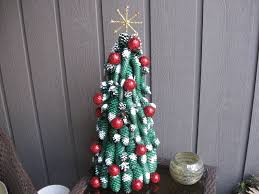 Pine Cone Christmas Tree Decorations by Pine Cone Christmas Tree With Golf Balls Craft Tutorial Youtube
