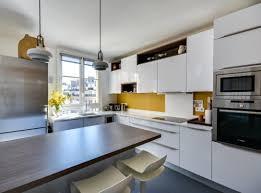 cuisine jaune et blanche cuisines jaunes 5 réalisations qui rayonnent le d