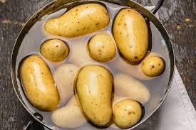 comment cuisiner des pommes de terre cuire des pommes de terre en cinq minutes
