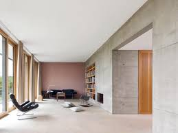 aufgeräumtes wohnzimmer mit sichtbeton bild 11 schöner