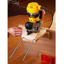 dual purpose router edge guide woodworking plan from wood magazine