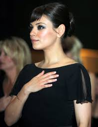 Mila Kunis Leaked Photos Bathtub by Does Mila Kunis Have A Little Sister