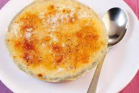gebrannter nuss grieß pudding mit aprikosen rezept