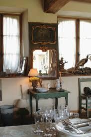 rustikale wohnküche mit dekoration und bild kaufen