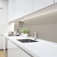 küchenrückwand plexiglas im zuschnitt nach maß