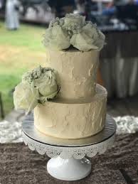 Check Out This Beautiful Rustic White Wedding Cake That I Did For A Good Friend At Gurame Restaurant Recently Sometimes Simplicity Is The Best