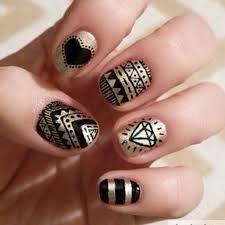 Black and Gold Nail Designs 1