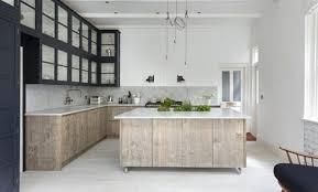cuisine bois blanchi déco cuisine bois blanchi 97 grenoble cuisine bois clair et