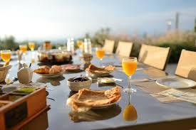 deco cuisine maison de cagne bed and breakfast maison d hôtes bleu azur tourrettes sur loup
