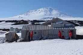 100 Antartica Houses Scotts Hut Wikipedia