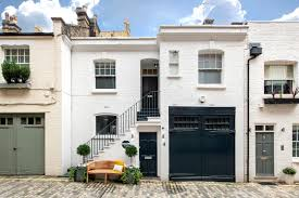 100 Mews Houses Penthouse Not Your Style Try A Mews Bricks Mortar The