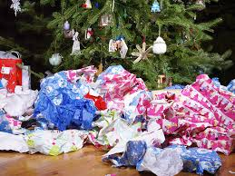 Plastic Wrap Your Christmas Tree by How To Stop Christmas Waste And The Thousand Of Tonnes Thrown Away