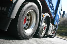 100 Used Truck Tires Semi Near Me Flying Tire Causes 2 Collisions