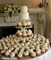Another Type Of Wedding Cake And Cupcakes So Sophisticated Like Better Than