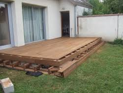 pose de terrasse en bois ou composite entourage piscine
