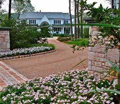 Pea Gravel Patio Plans by How Gravel Driveways Are Built The Complete Story