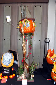 Singing Pumpkins Grim Grinning Pumpkins Projector by Disney At Heart October 2014