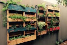 Pallets Made Wood Wall Planter Idea