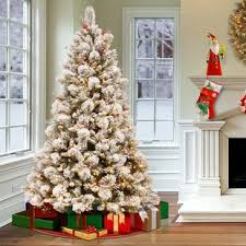 Snowy Bedford 75 Frosted Green Pine Artificial Christmas Tree With 700 Clear Lights