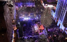 Rockefeller Plaza Christmas Tree 2014 by Thousands Attend Rockefeller Christmas Tree Lighting Naples Herald