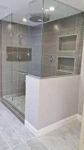 elegante und moderne badezimmer dusche fliesen master
