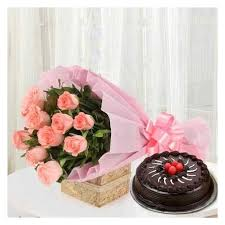 Chocolate Cakes And Pink Roses Bunch