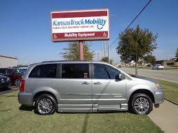 2014 Chrysler Town & Country - ER297408 - Kansas Truck Equipment Company