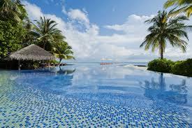100 Kuramathi Island Maldives Resort Infinity Pools