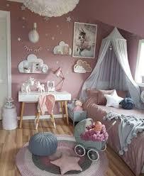 düstere wandfarbe und dekoration im schlafzimmer diese